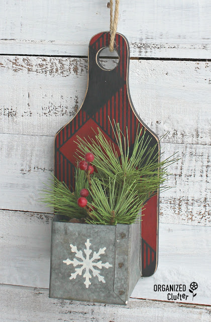 Thrift Shop Cutting Board Repurposed as Christmas Decor #buffalocheck #stencil #oldsignstencils #cuttingboard
