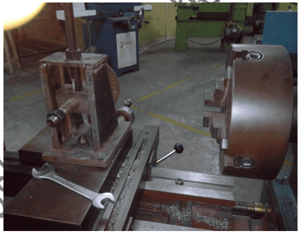Design and Fabrication Of Gear cutting attachment on lathe machine report