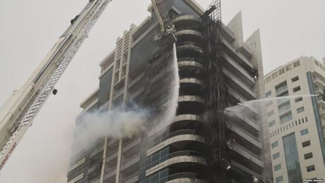 """يالفيديو: إخماد حريق نشب في برج """"زين"""" في دبي"""