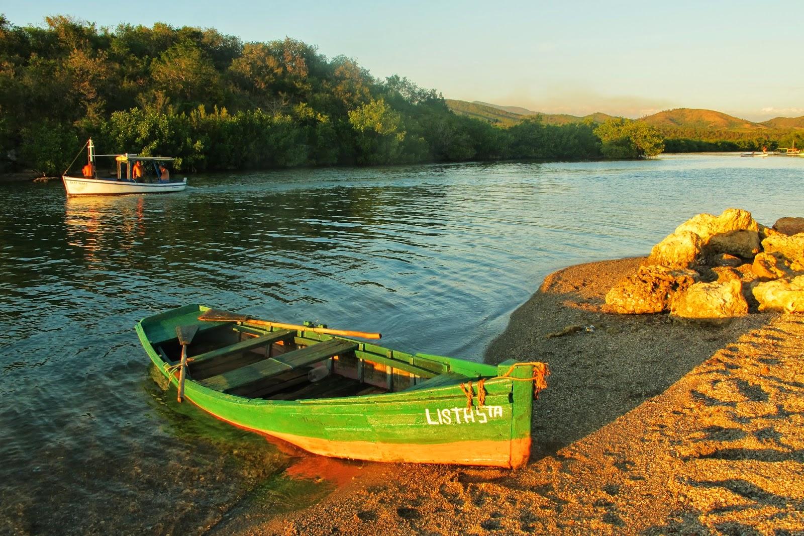 Rio Guaurabo, em La Boca, no Mar do Caribe de Cuba, na Península Áncon.