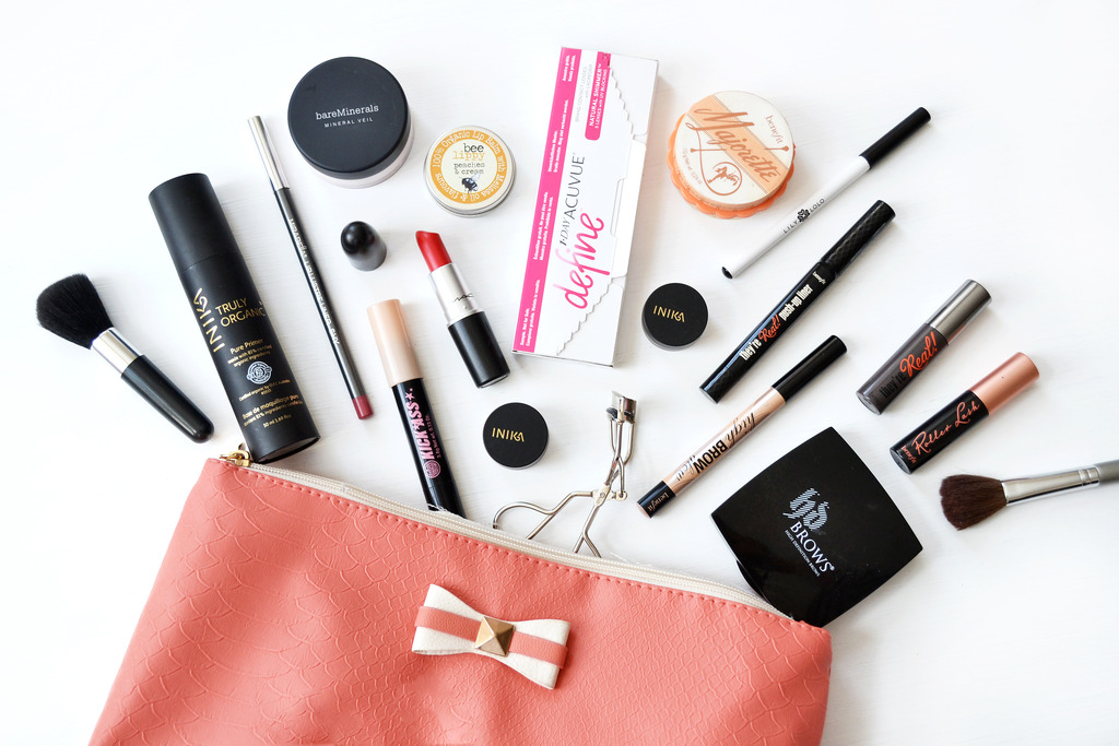 beauty blogger, acuvue define, what's in my makeup bag
