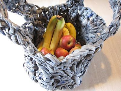 crochet, plarn, granny square, bag, finger crochet, recycle