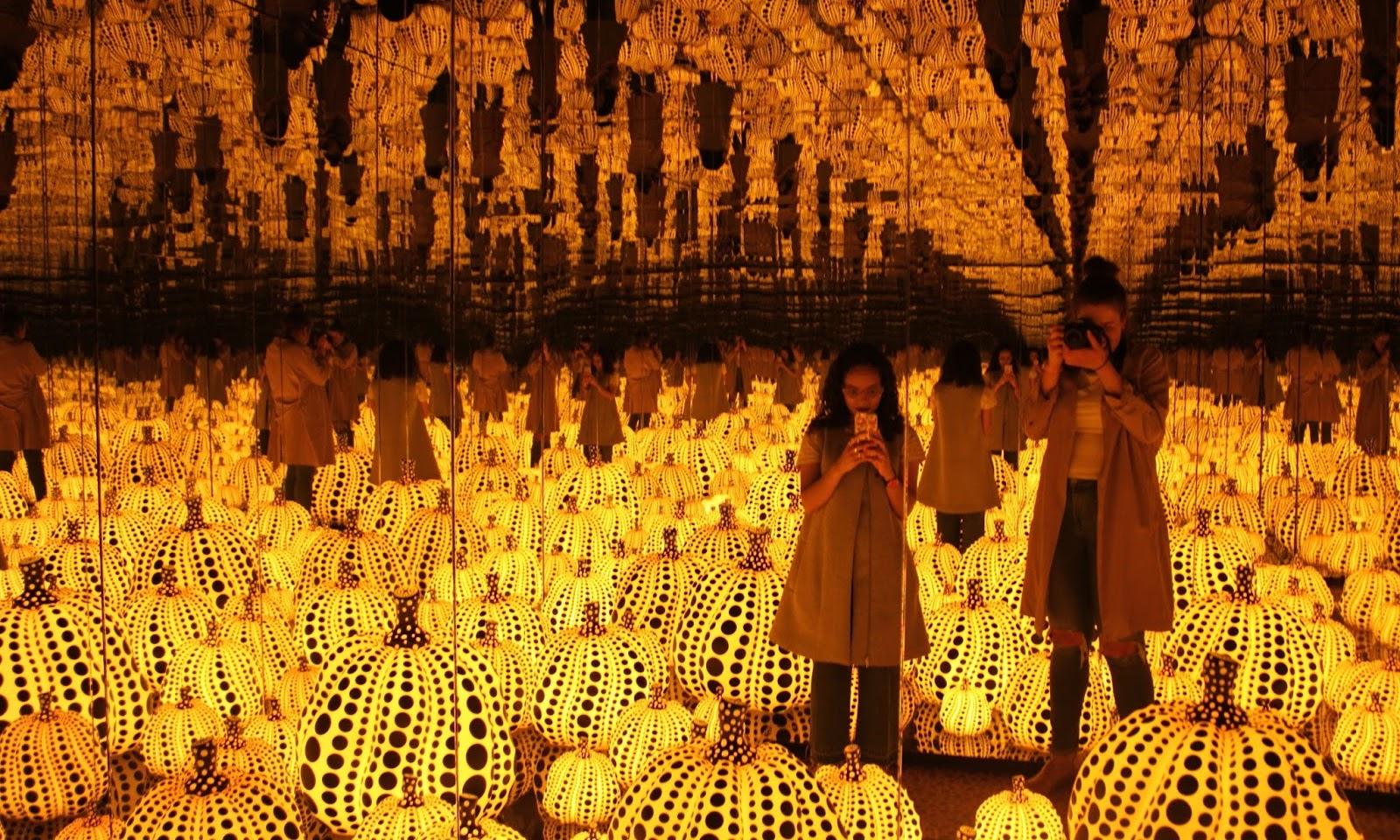 Yayoi Kusama: Sculptures, Paintings & Mirror Rooms