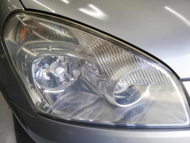 日産/デュアリス  ヘッドライトの劣化・くすみ復元リペア+劣化防止コーティングbefore