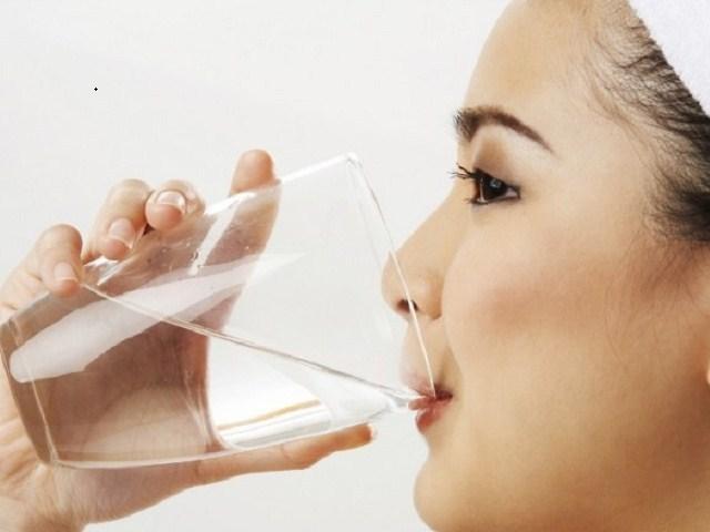 Manfaat Air Putih Hangat