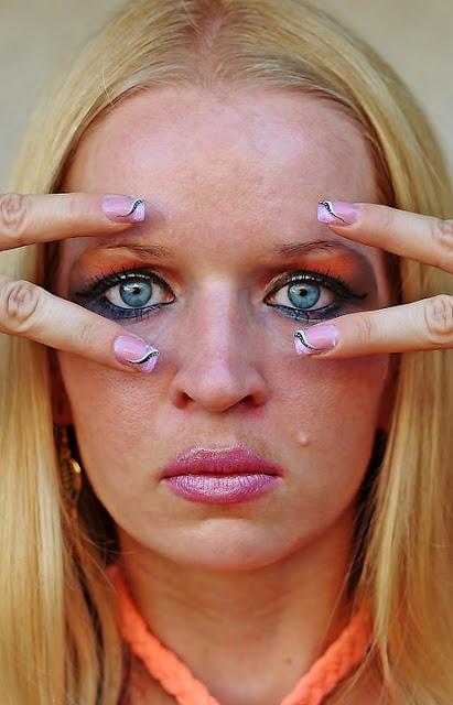5 kosmetyków, które cie postarzają