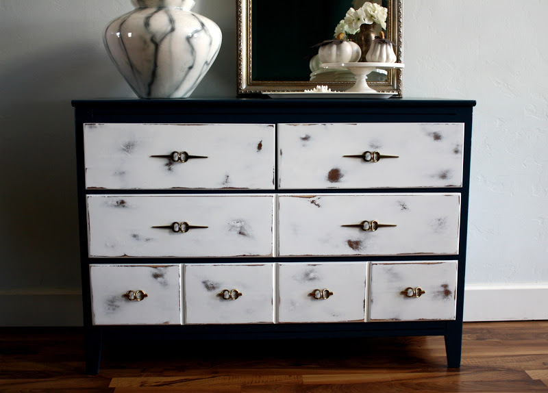 This Vintage Dresser Is The Perfect Size For Any Room And So Special With Glossy Dark Paint Vs Distressed White Finish On 4 Drawers