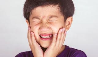 cara merawat gigi berlubang agar tidak sakit