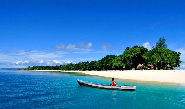Keindahan Pantai Morotai Maluku Utara