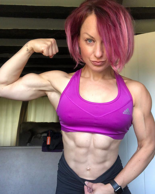 Machine weight training program for beginner women : 2 Focus on the form of execution :