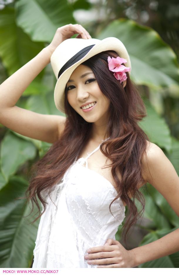 yan feng-jiao sexy naked pics 02