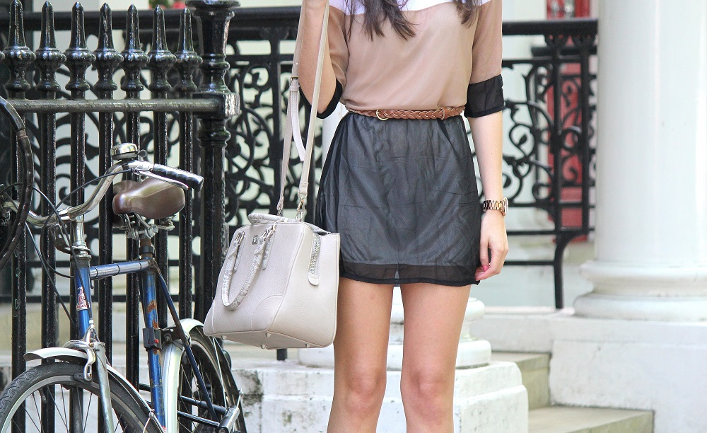 peexo fashion blogger wearing tri-tonal dress