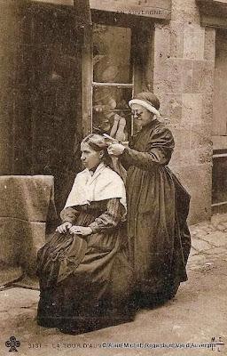CPA la coupe des cheveux