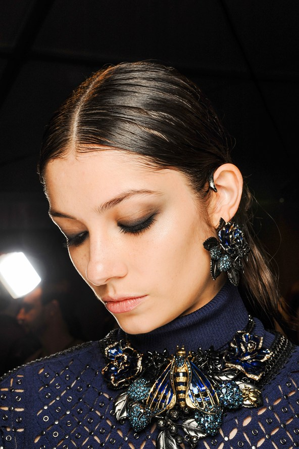 Beleza e maquiagem da Paris Fashion Week no desfile do Roberto Cavalli