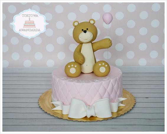 różówy pikowany tort na roczek urodzinowy miś z balonem Warszawa