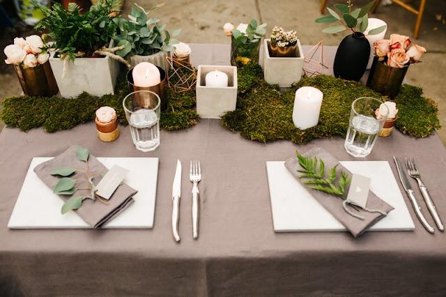 Mech jako ozdoba stołów weselnych.