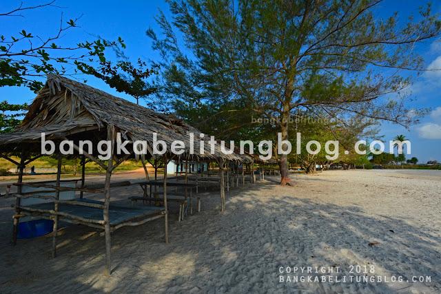 pondok-wisata-di-pantai-rambak-bangka-belitung