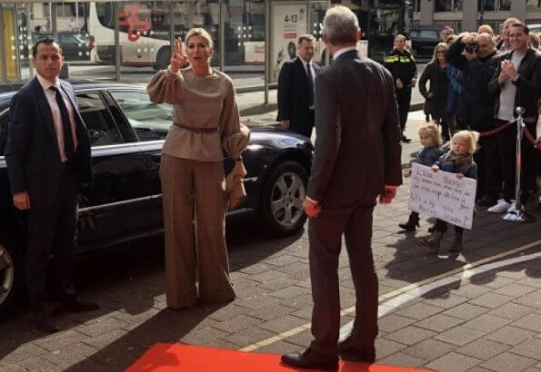 Queen Maxima wore Natan top and trousers from Fall Winter Collection. Queen Maxima's outfit is by Belgian fashion house Natan