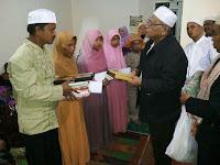 Satu Keluarga Bersyahadat, Semua Anaknya Bisa Baca Al-Fatihah