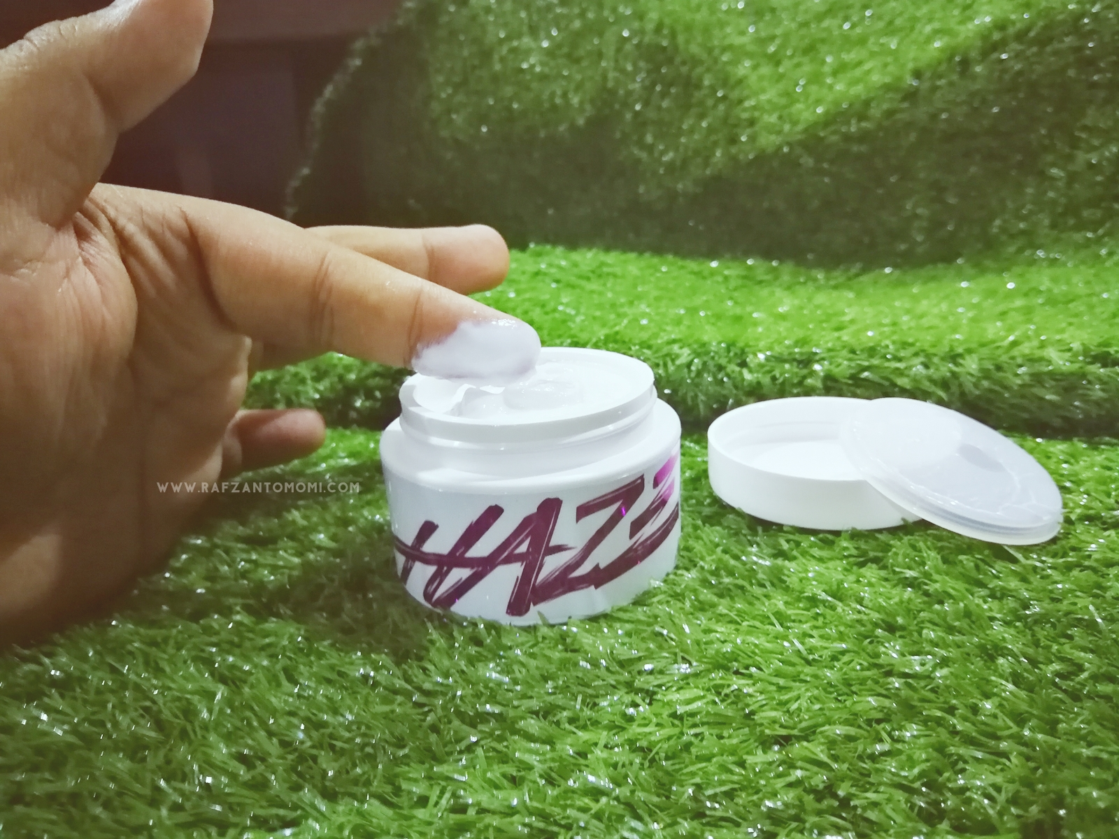 Haze Moisturizer - Membantu Mencerah, Melembap & Melindungi Kulit Anda !