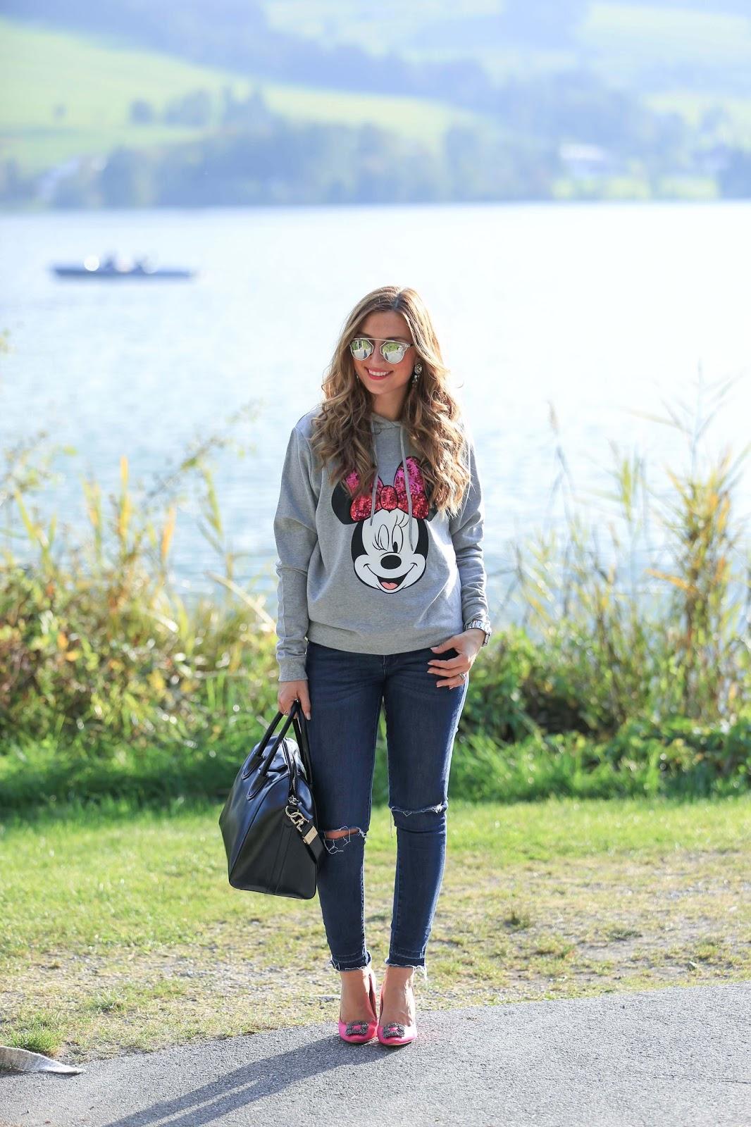 Deutsche Fashionblogger-Blogger aus Frankfurt-Frankfurt Fashionblogger-Fashionstylebyjohanna-Blogger-Blogger aus Deutschland-Olivia Palermo Style- Pinke Schuhe-Schwarze Bowlingtasche