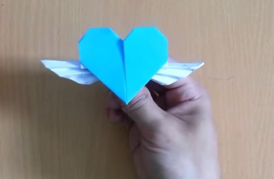 Cách gấp trái tim có cánh bằng giấy