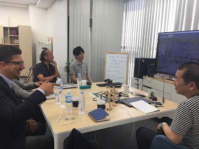 The same scene on a monitor at a Shenmue III meeting (June 2016)