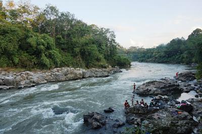 geopark merangin arung jeram sungai batang merangin fosil