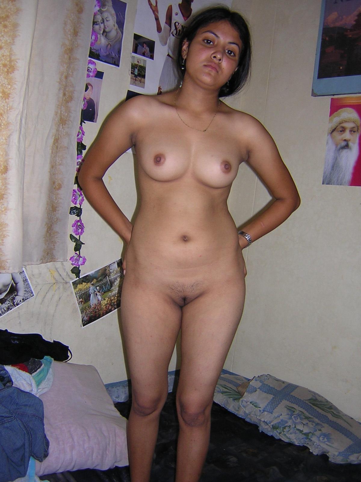 Nude asian girl fucking banana