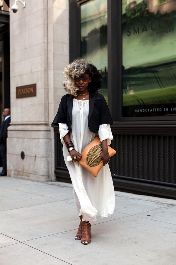 Womens street style new york black fashion white sheer dress black petticoat curly hair large clutch bag bangles new york street style angel verde Ayoka Lucas The Stylepreneur 2016