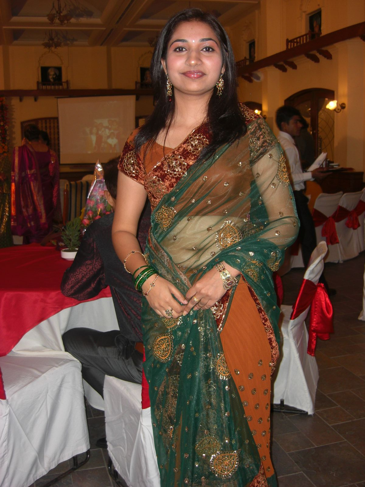 Homely Aunties Hot Photos - Hd Latest Tamil Actress -8017