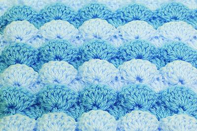 3 -  Foto de punto a abanicos en reliave a crochet. Majovel crochet.