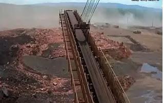 Vídeo mostra invasão de lama após rompimento de barragem em Minas Gerais; assista