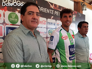 Carlos Pontons - Lucas Mugni y Yimy Montaño en la presentación del argentino como refuerzo de Oriente Petrolero - DaleOoo