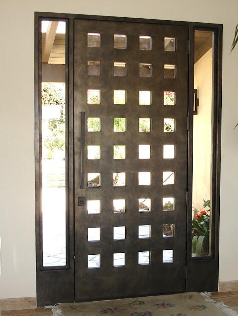 Desain Pintu Besi Minimalis