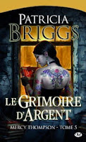 http://lachroniquedespassions.blogspot.fr/2014/07/mercy-thompson-tome-5-le-grimoire.html