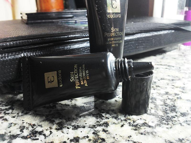 2d4336991 Skin Perfection Base Liquida de Alta Cobertura - Eudora - Doce feito ...