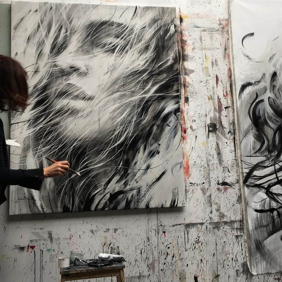09-Large-Format-Oil-Paintings-and-Charcoal-Drawings-www-designstack-co