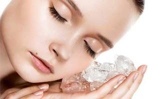 10 Manfaat Es Batu dan Cara Penggunaan untuk Kulit Wajah