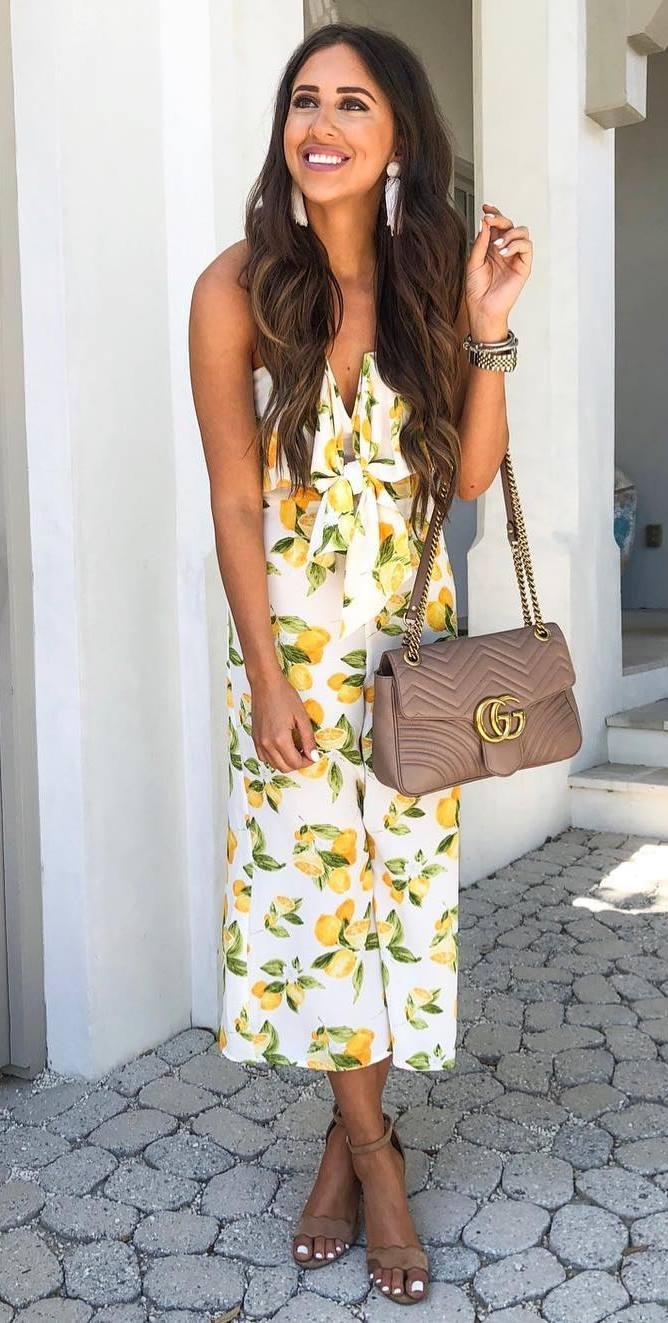 fashionbale summer outfit idea with a lemon midi dress