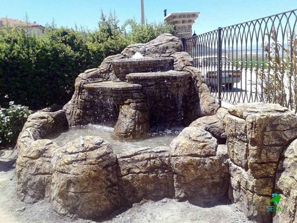 yapay kaya villa bahçesi