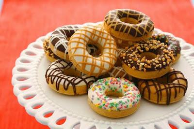 Makanan manis memang kebanyakan disukai oleh anak  Resep Mudah Membuat Donat Empuk dan Lembut