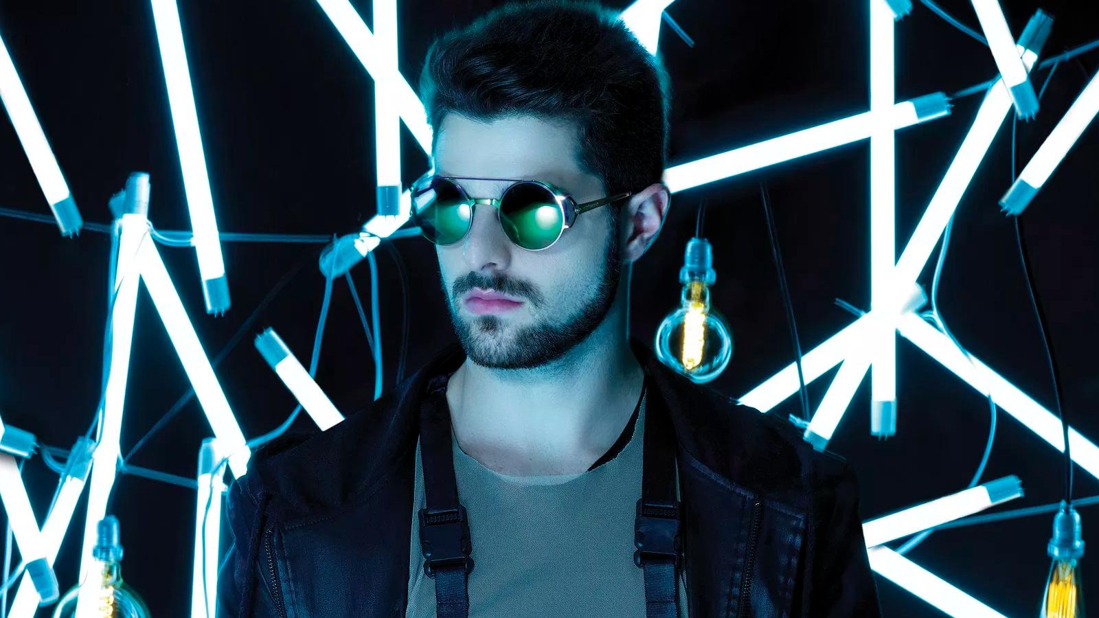Alok recentemente se tornou o primeiro brasileiro a bater 100 milhões de audições no Spotify.
