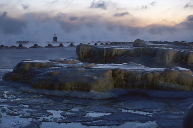Jégpáncél borítja a Michigan-tó partját