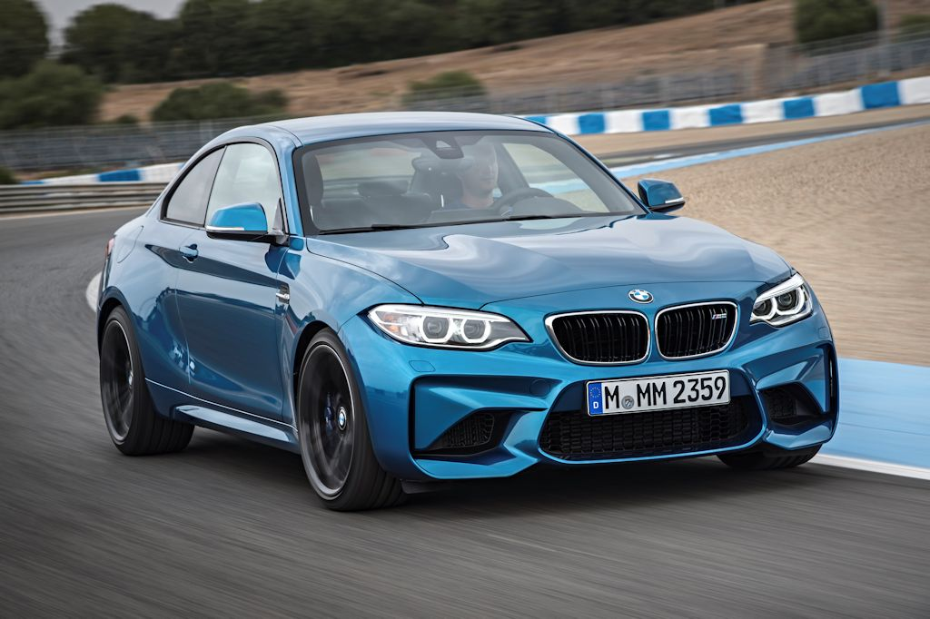 It Rides On New Forged 19 Inch Wheels With Mixed Tire Sizes Plus The M2 Comes A Trick Steering Brakes And Even An Active M Diffeial Which