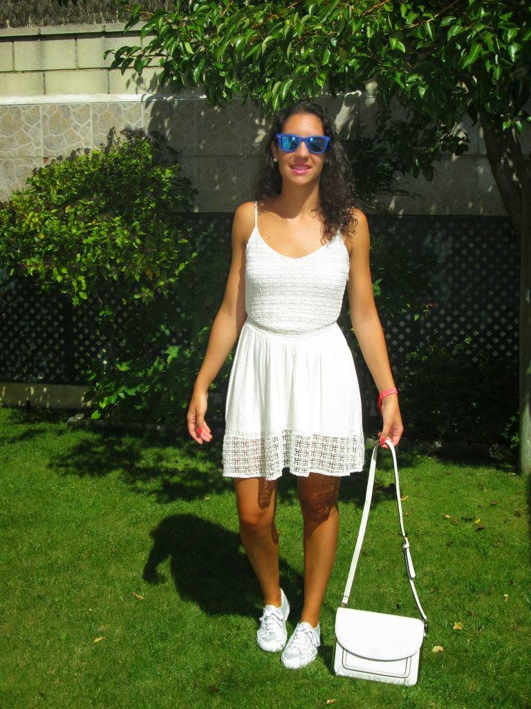 A Con Opciones Mirar Nadie Dos Vestido BlancoSin nN08mwv