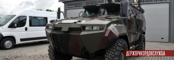 новий бронеавтомобіль Тритон