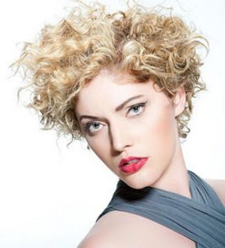 aqu las mejores imgenes de cortes de pelo corto con rizos para mujeres como fuente de inspiracin