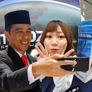selfie jokowi
