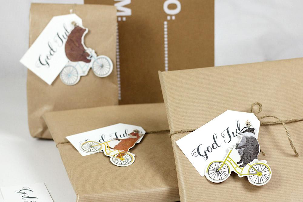Dekorera julklappar, etiketter